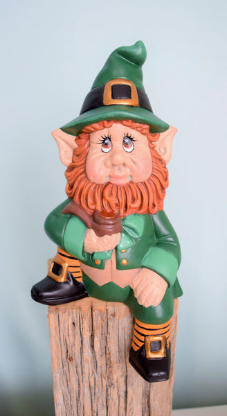 Leprechaun | Sitting Style | Ledge Design