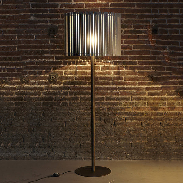 Luz Oculta Wood Floor Lamp by Fambuena