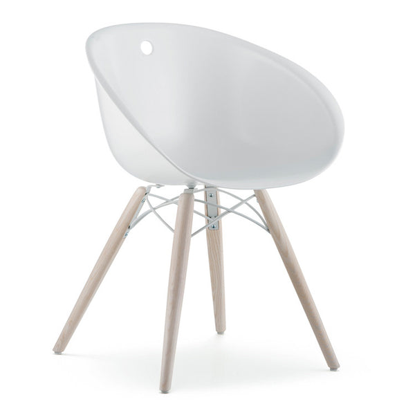 Gliss 4 leg chair with timber legs by Pedrali - Innerspace - 1