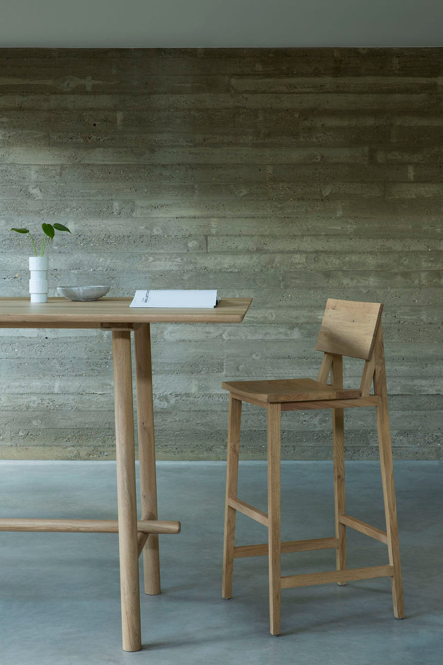 Profile High Meeting Table - Oak