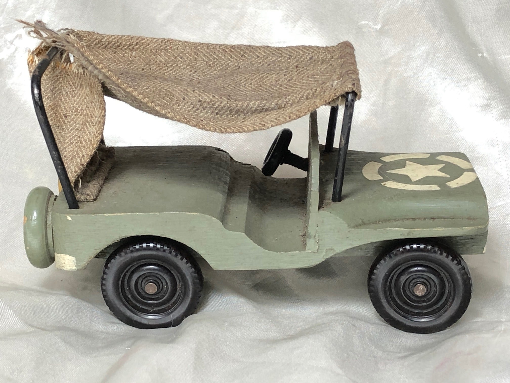 1 Small Vintage Handmade US Army WW2 Carved Wooden Toy Model Willys MB Jeep