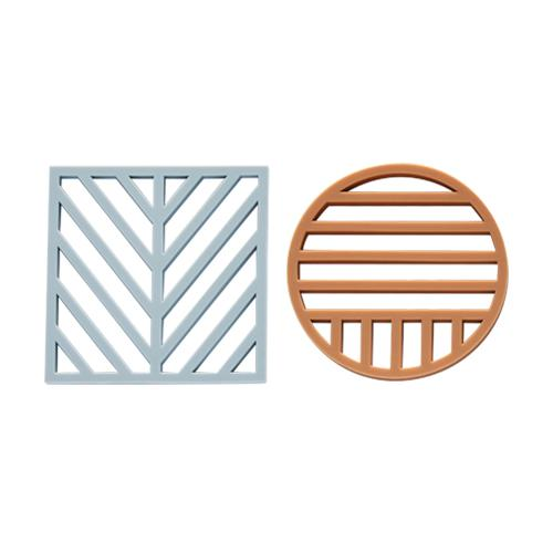 Gotoku Trivets in Pale Blue and Caramel