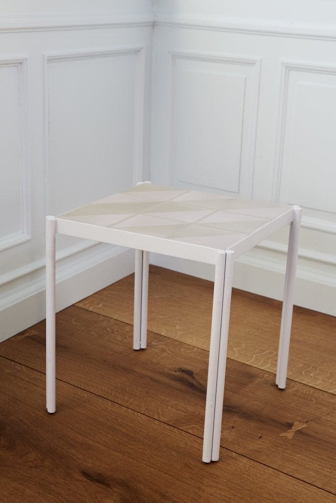 Pieni Table in White