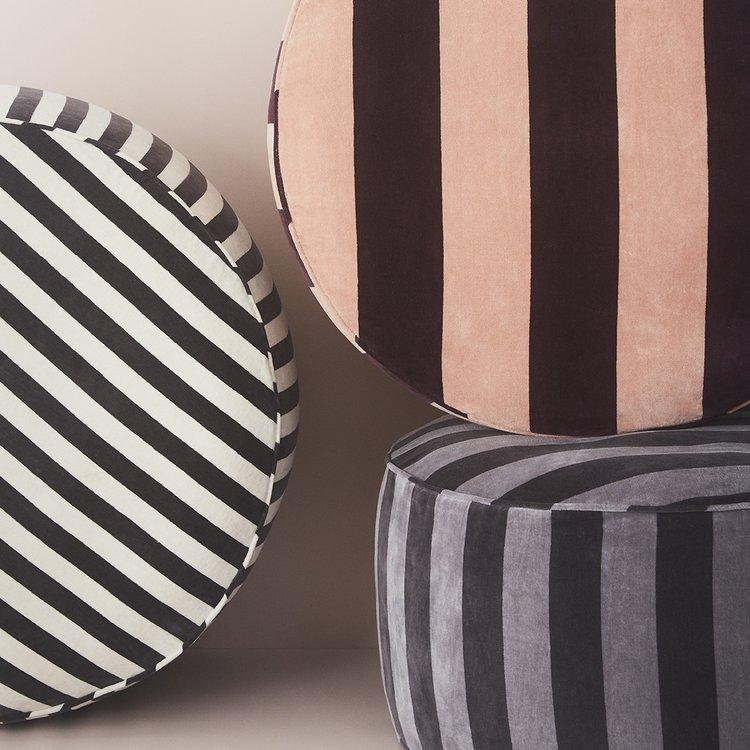 Confect Pouf in Grey & Asphalt design by OYOY