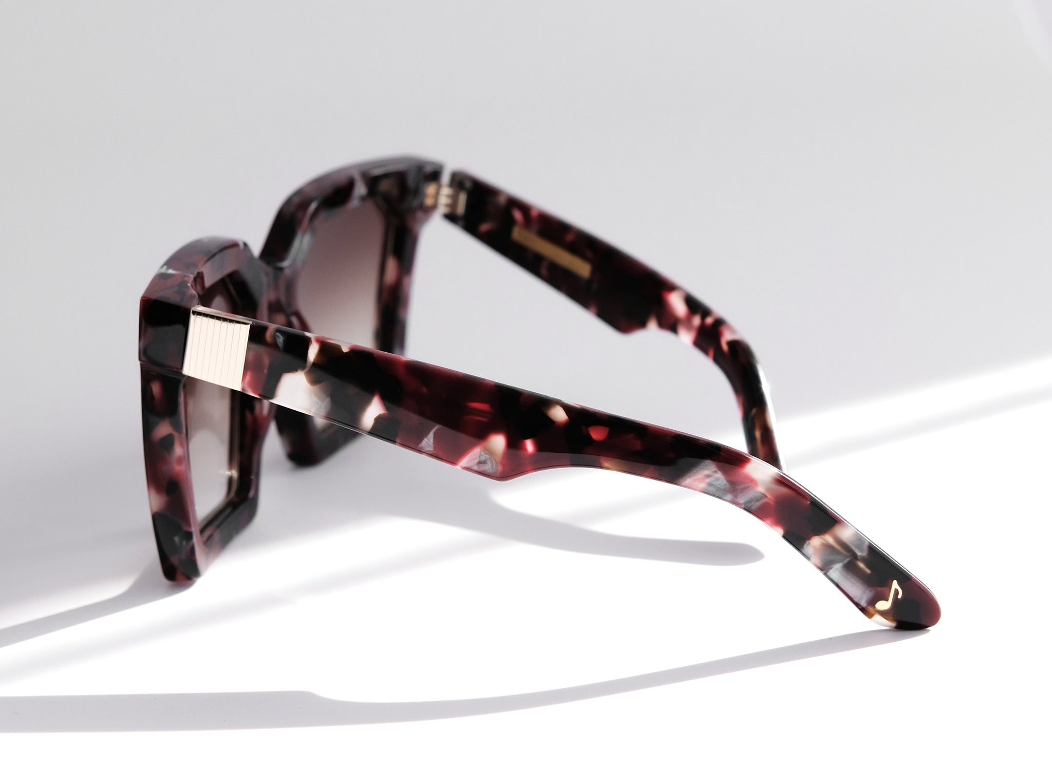 LAS ISLAS IN RUBY TORTOISE OVERSIZED SQUARE MAROON SUNGLASSES