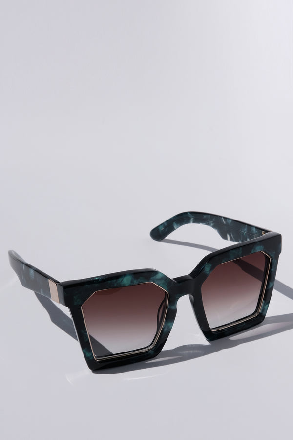 EMERALD GREEN MARBLE OVERSIZED SQUARE UNISEX SUNGLASSES, GOLD METAL DETAILS. BROWN GRADIENT LENS. ART DECO DESIGN, LIMITED EDITION. DESIGNER EYEWEAR, LUXURY SUNGLASSES. CELEBRITY SUNGLASSES. FEMALE ENTREPRENEUR.