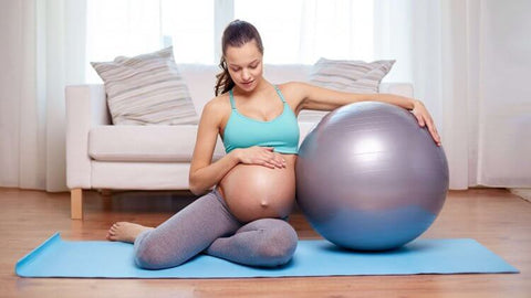 Using exercise ball before childbirth