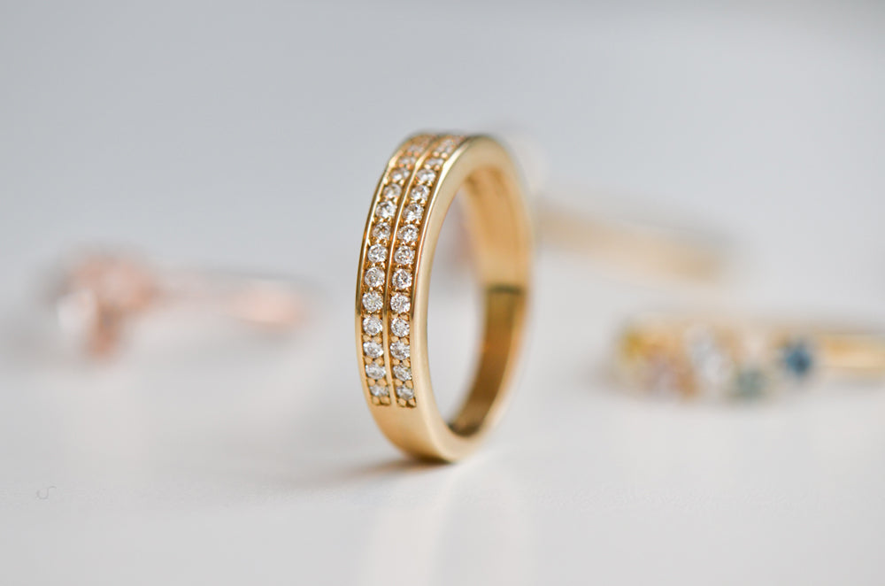 Double pavé ring with diamonds