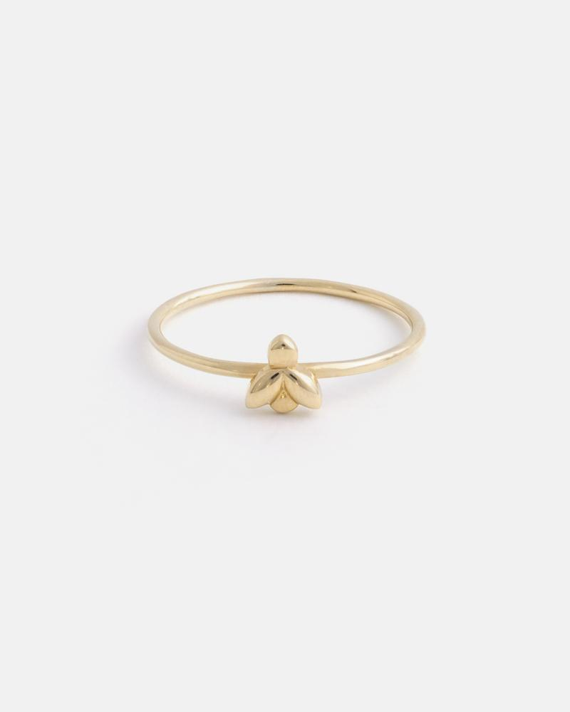 Mini Bee Ring in Yellow Gold