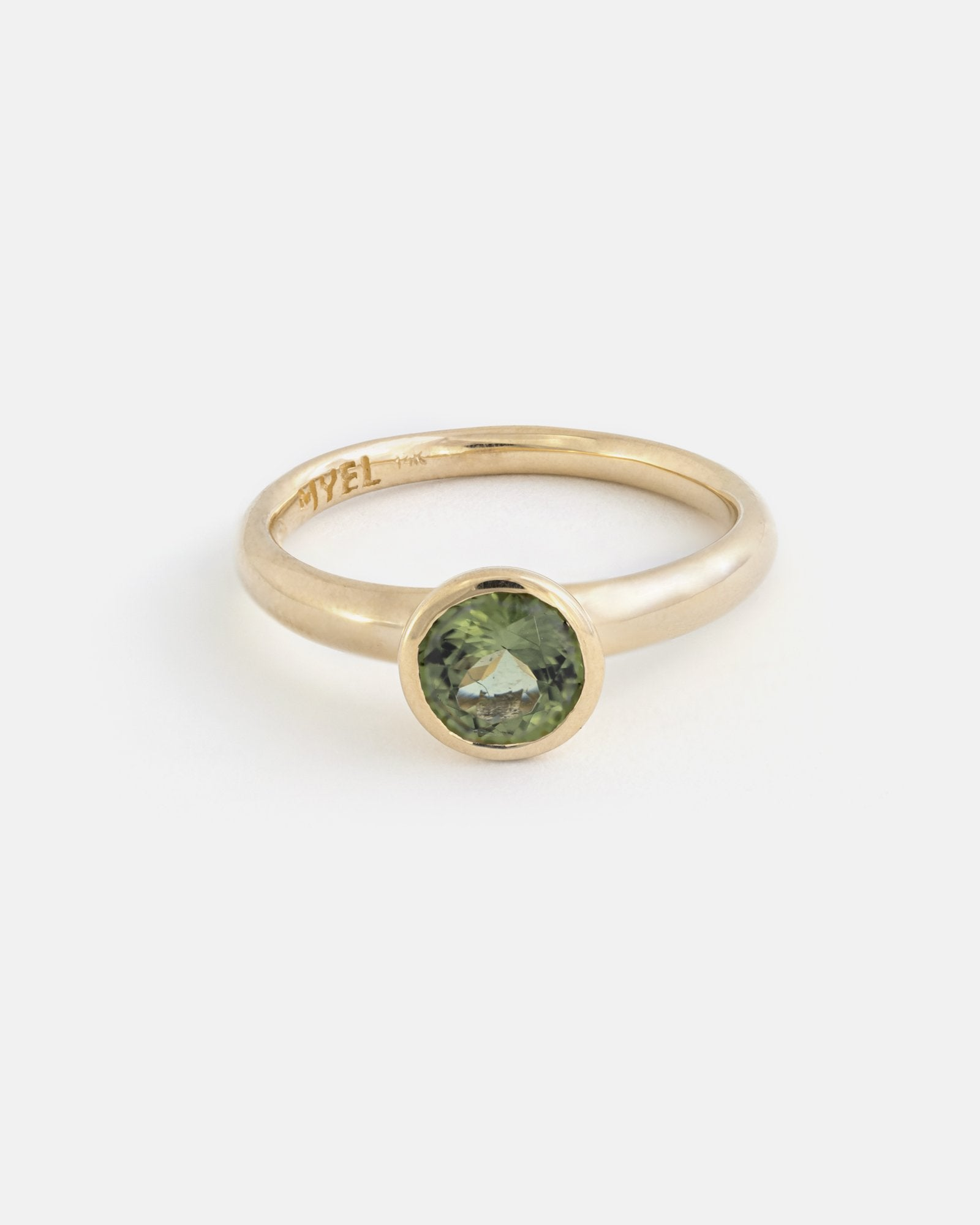 Round Vara Ring in Fairmined Gold with Tashmarine