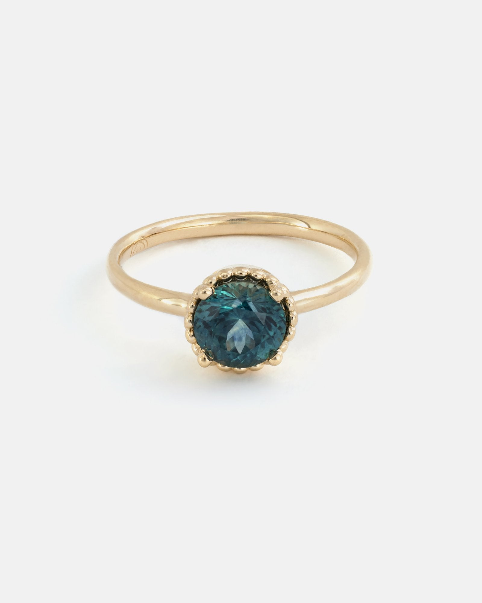 Round Galatée Ring in Fairmined Gold with Montana Sapphire