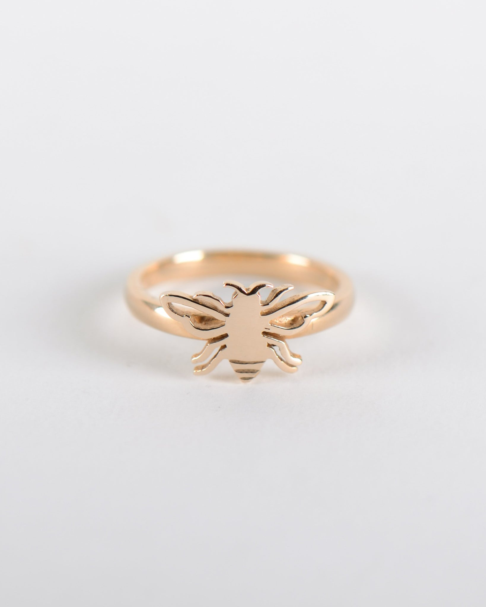 Bee Ring in Yellow Gold