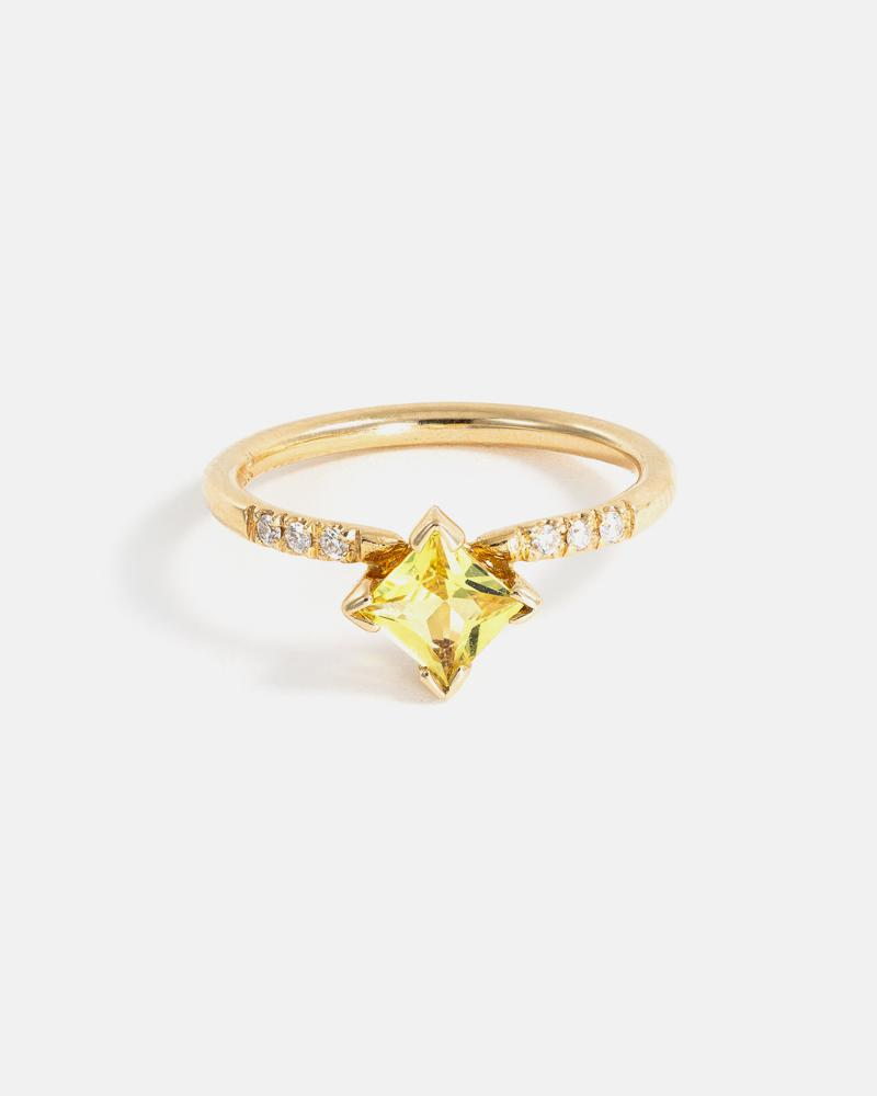 Hydromel Ring in Yellow Gold with Yellow Sapphire and Diamonds