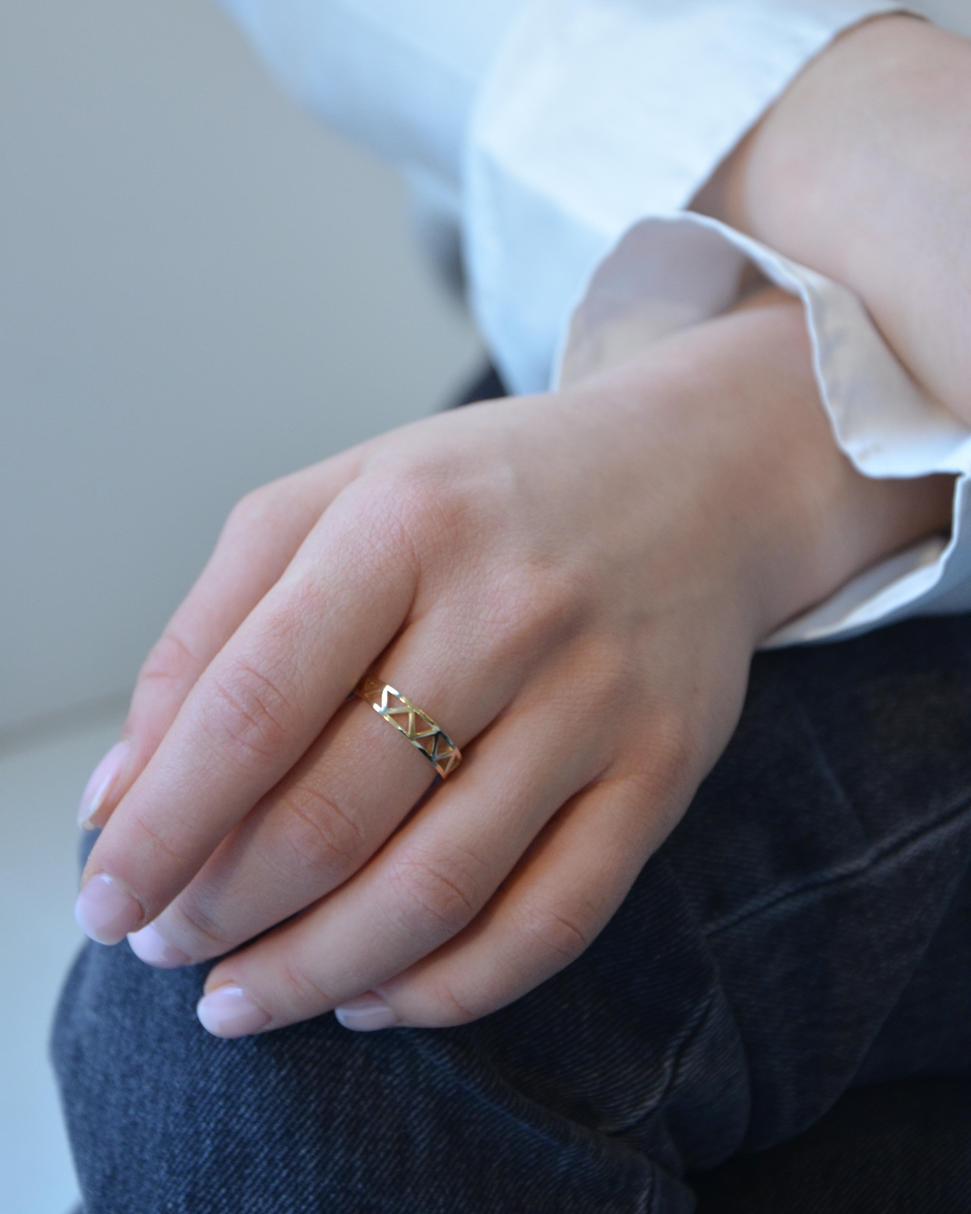 Eiffel geometric cutout in 14K Yellow Gold