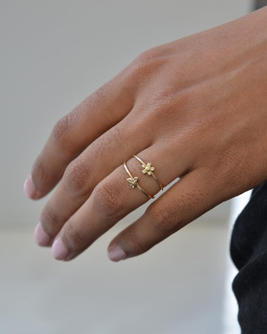 Mini Bee Ring in Gold