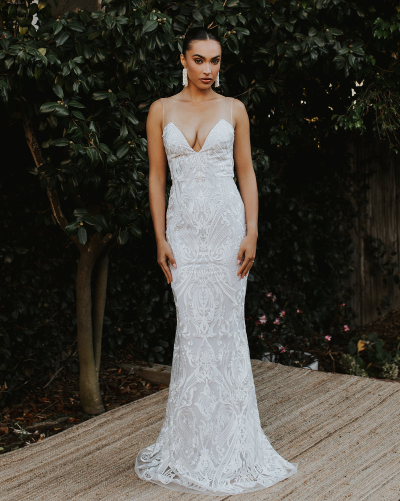 "NOEL AND JEAN ""THE LADY"" BRIDAL GOWN"
