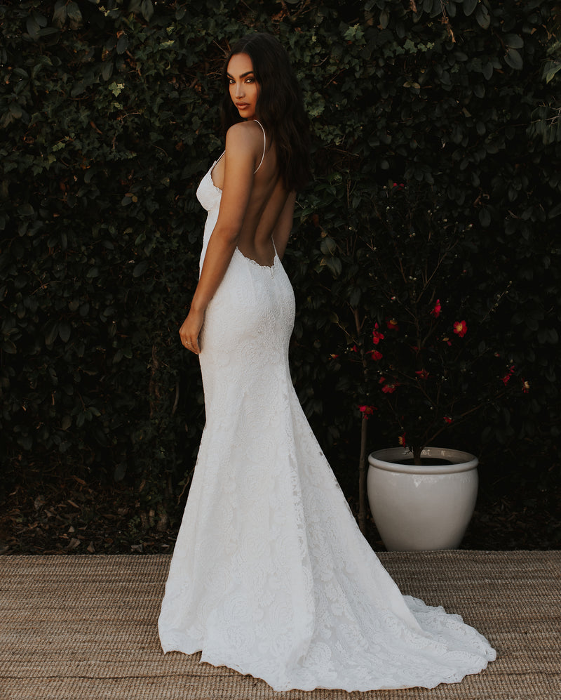 POIPU BRIDAL GOWN