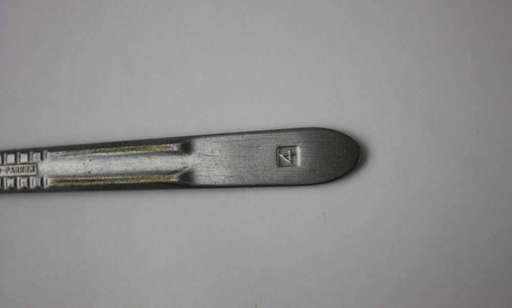 Bard-Parker No. 4 Stainless Surgery Scalpel Handle, Vet Orthopedic Instrument