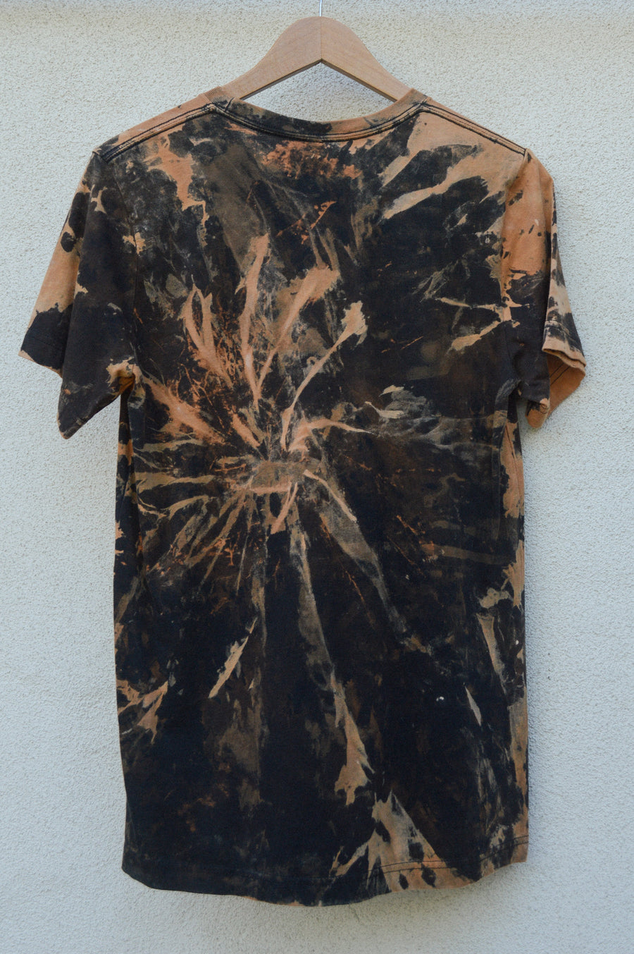 Bleach Dyed Line Art TShirt || gift for him, tie dye, tye dye, eco friendly, sustainable, aesthetic clothing, line art drawing, abstract art