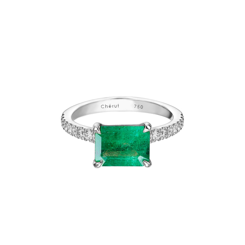 LARGE NATURAL EMERALD RING