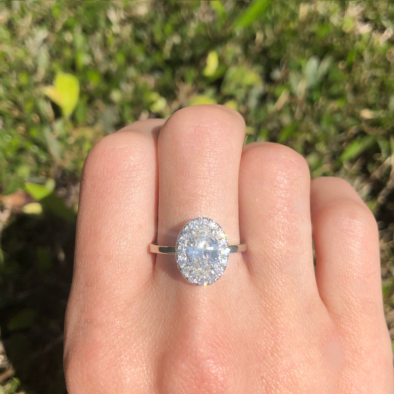 OVAL HALO DIAMOND RING