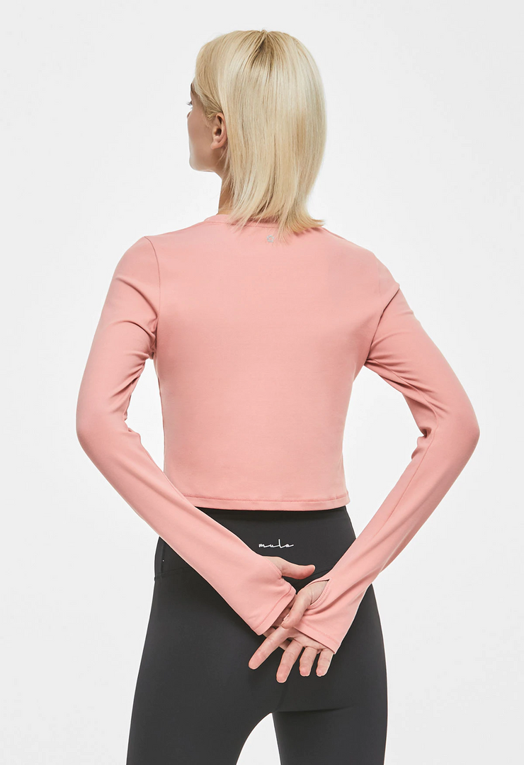 Relaxing cut-out cropped long sleeves