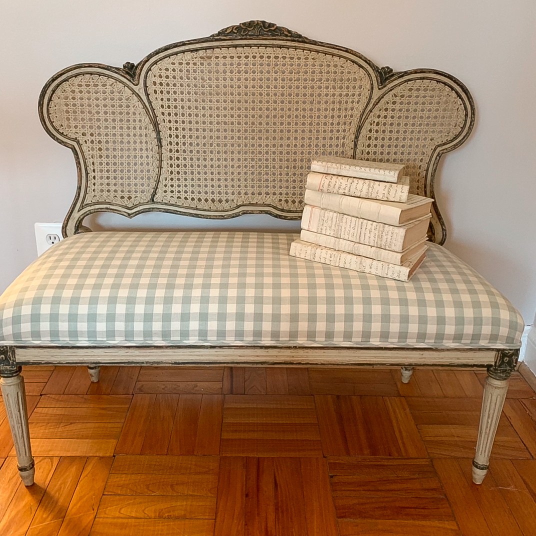 French Provincial Style Settee Bench