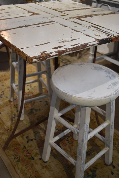Vintage table and stools