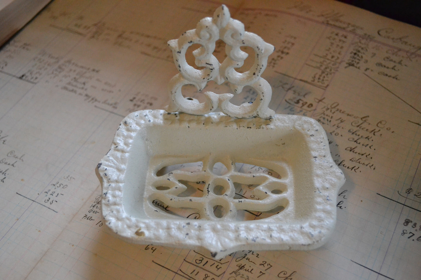 white-soap-dish