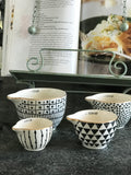 Gold-rimmed Measuring Cups