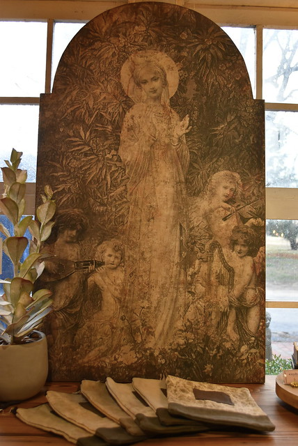 Our Lady of the Garden - FREE SHIPPING