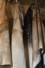 Load image into Gallery viewer, Natural Fawn Cowhide