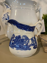 Load image into Gallery viewer, Vintage Blue Willow Creamer