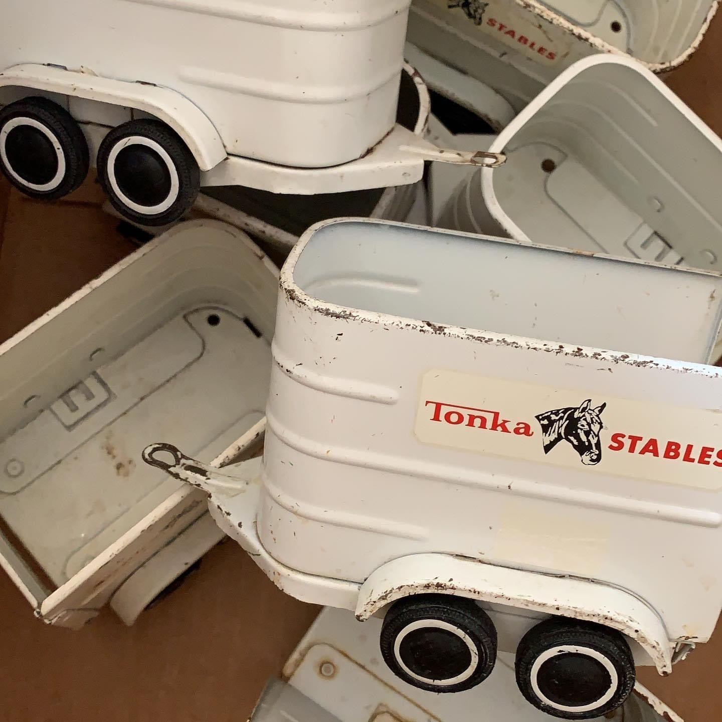 Fun Vintage Tonka Stable Trailer