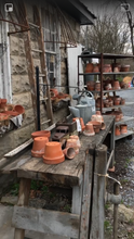 Load image into Gallery viewer, Terra-cotta Pots