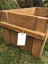 Load image into Gallery viewer, Vintage Pine Box with Handles