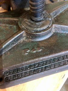 ANTIQUE CAST IRON CIGAR MOLD PRESS