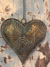 Load image into Gallery viewer, Beautiful Metal Filagree Heart