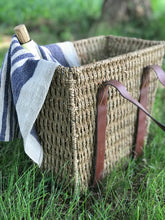 Load image into Gallery viewer, Wicker basket