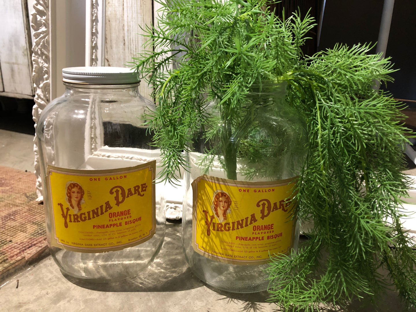 Vintage Virginia Dare Pineapple Bisque 1 Gallon Jar