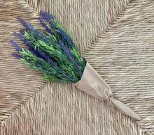 Load image into Gallery viewer, Life-Like  Lavender Bouquet