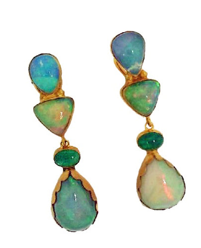 Dangle earring with opals and emeralds, 18k