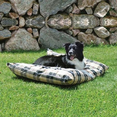 Indoor/Outdoor Single-Seam Pet Bed - Small/Tan Plaid