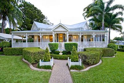 Queenslander home Facade