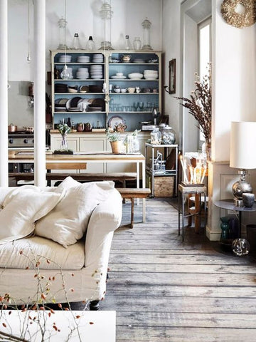 French Vintage. Tastefully earthy and royally rustic, French vintage interiors showcase a sense of understated luxury. Pale colours mixed with subdued textures are put together to make an effo