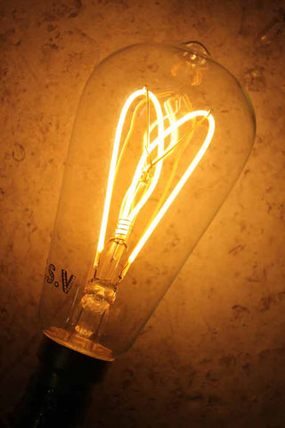 LED Bulb, LED Filament Bulb. Dimmable led bulbs. Online lighting Melbourne. Soft LED filament. LED light bulbs for penant lighting, floor lamps, table lamps, ceiling lights, hanging lights