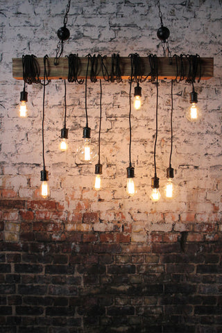 Pendant light with multiple bulbs