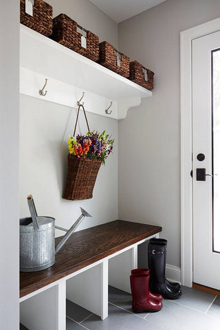 Side entrances are usually the ignored spaces that leads to your pantry, garage or the back door. Create cabinets to store away shoes, raincoats and bags after that rainy day.