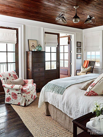 This ceiling fan recreates a nostalgic, steam-punk look on a vibrant, shabby chic interior