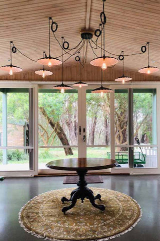 Chandelier for entryway lighting
